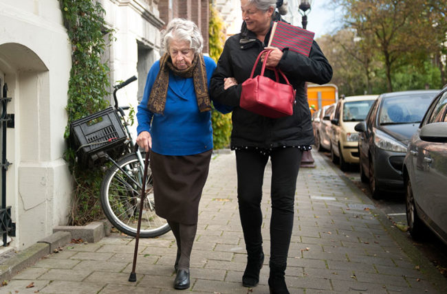 السقوط لكبار السن