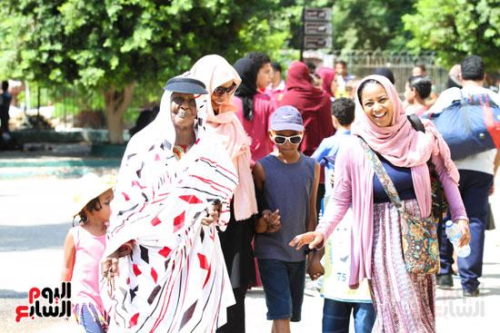 عائلات من كل  مكان احتفالا بالعيد