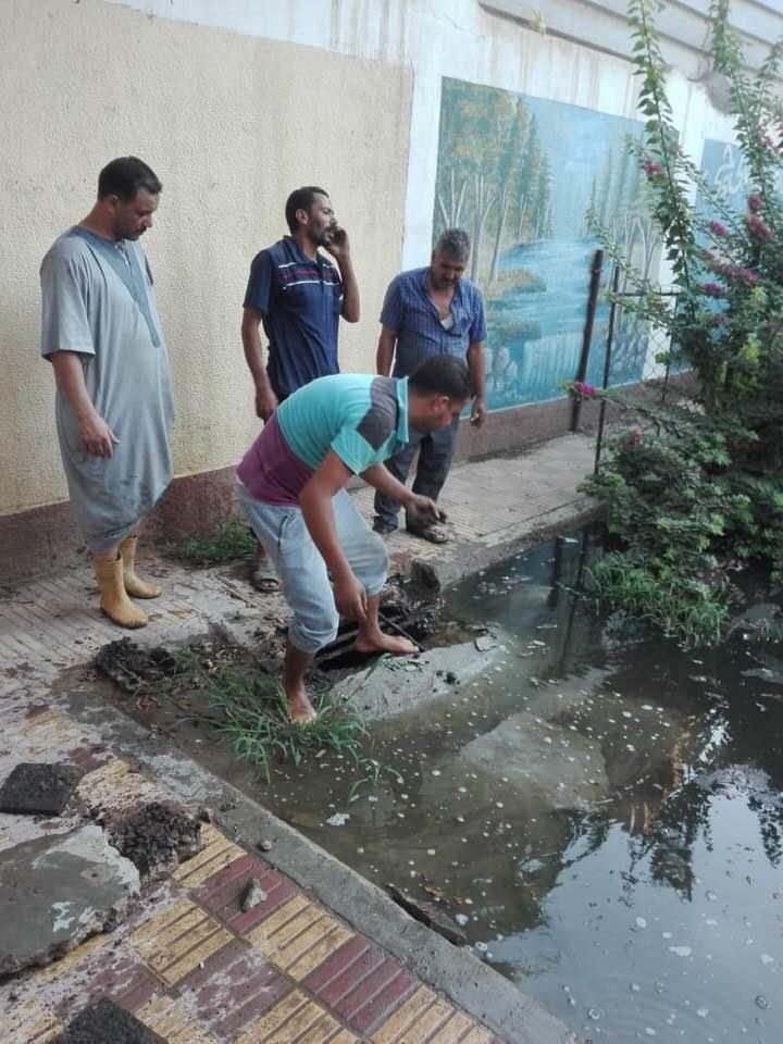 شفط المياه من فناء مدرسة سبرباى الإعدادى (1)