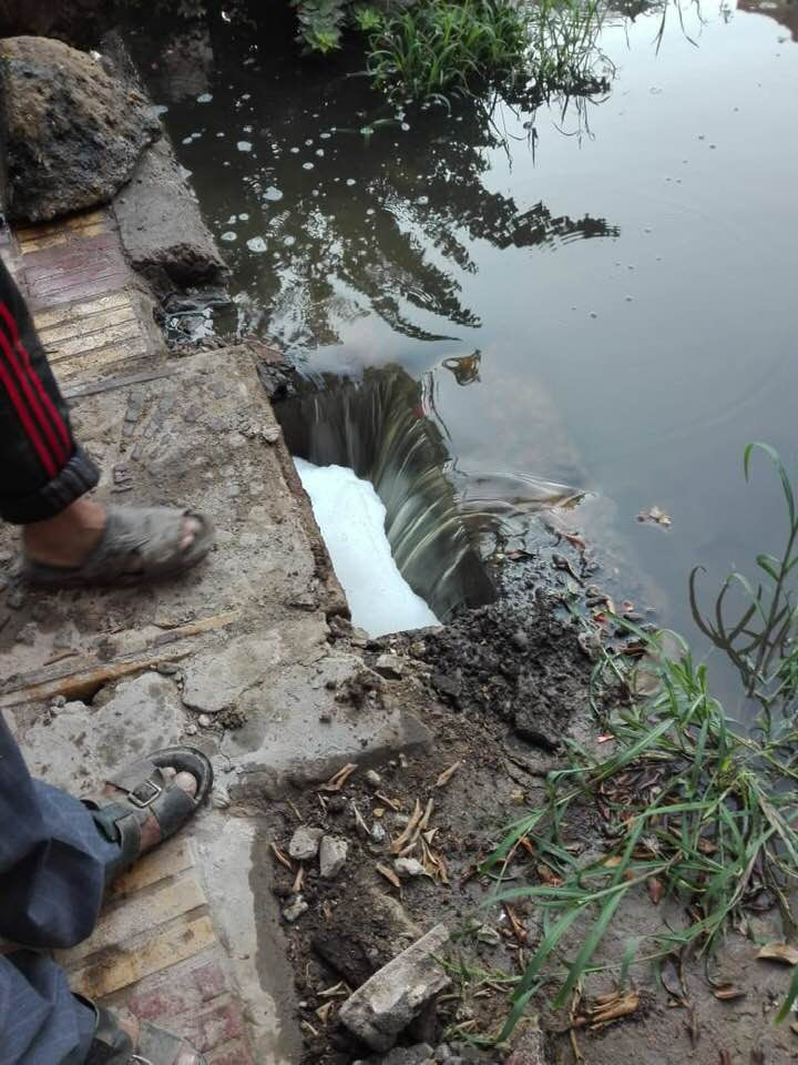 شفط المياه من فناء مدرسة سبرباى الإعدادى (4)