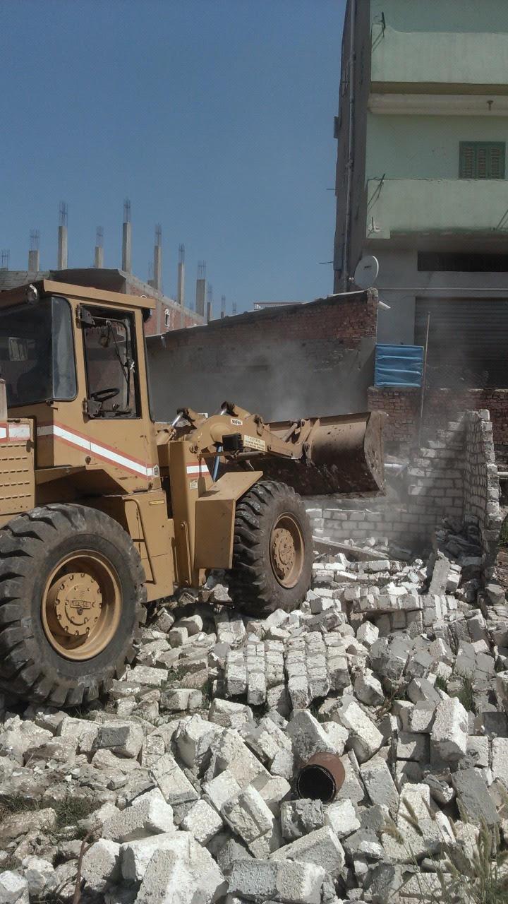 الإزالة الفورية ل 275 حالة تعدى على الأراضى الزراعية  (3)