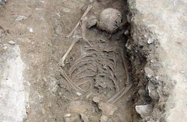 علماء الآثار يكشفون عن دفن  ساحرة في إيطالي