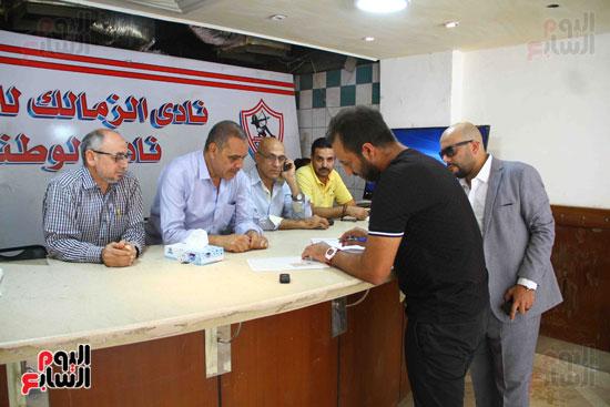 أحمد مرتضى يقدم أوراق ترشحه فى انتخابات الزمالك (3)