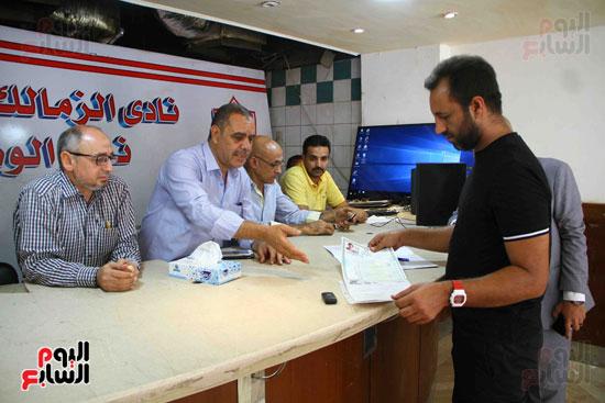 أحمد مرتضى يقدم أوراق ترشحه فى انتخابات الزمالك (4)