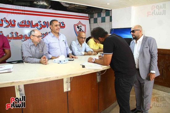 أحمد مرتضى يقدم أوراق ترشحه فى انتخابات الزمالك (7)