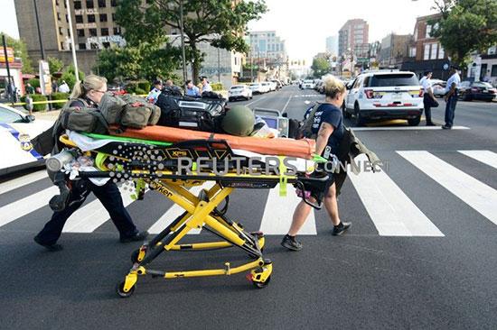 الشرطة الأمريكية تطوق موقع حادث إطلاق نار  (10)