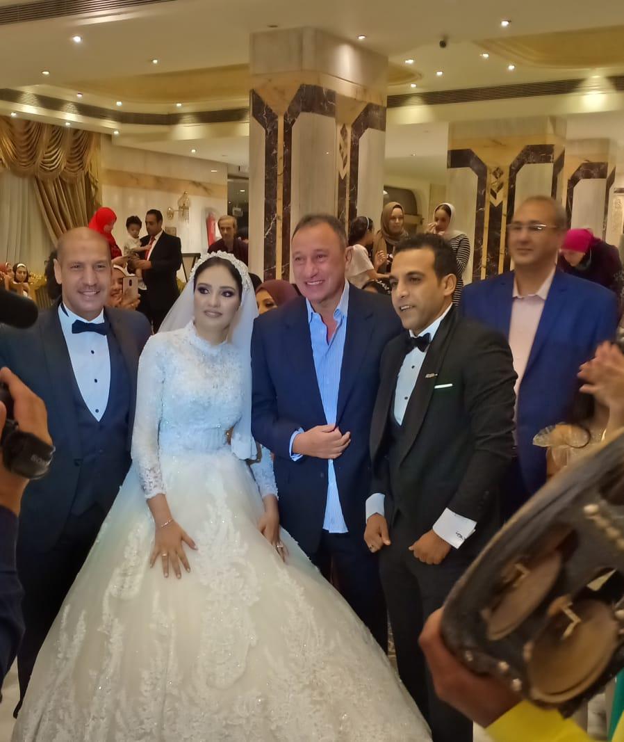 الخطيب فى حفل الزفاف (2)