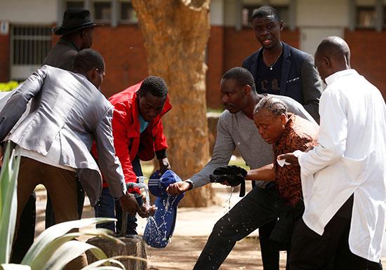 الاحتجاجات فى زيمبابوى