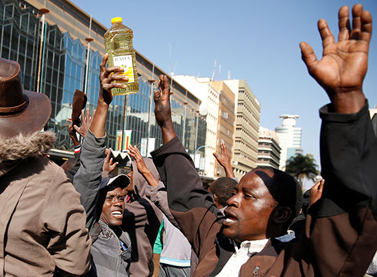 احتجاجات-زيمبابوى-(6)
