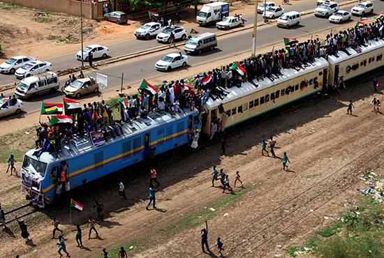 احتفالات-فى-السودان-(5)