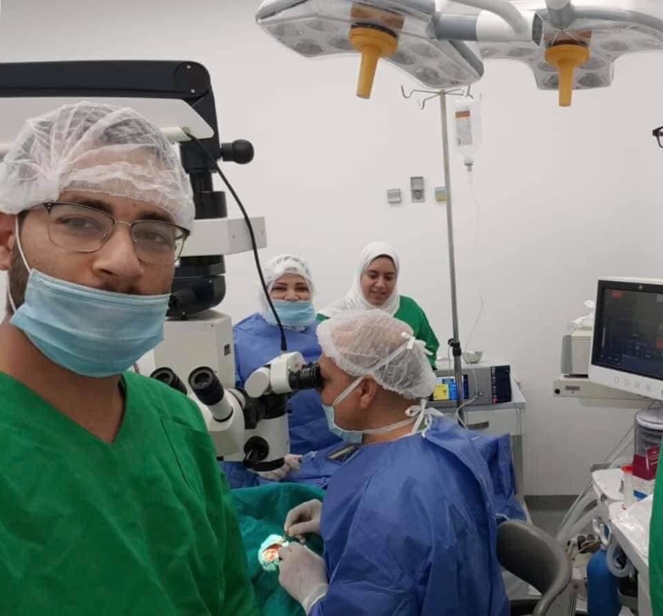 منظومة التأمين الصحى ببورسعيد تنقذ عين بائع متجول (6)