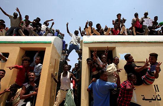 احتفالات-فى-السودان-(4)
