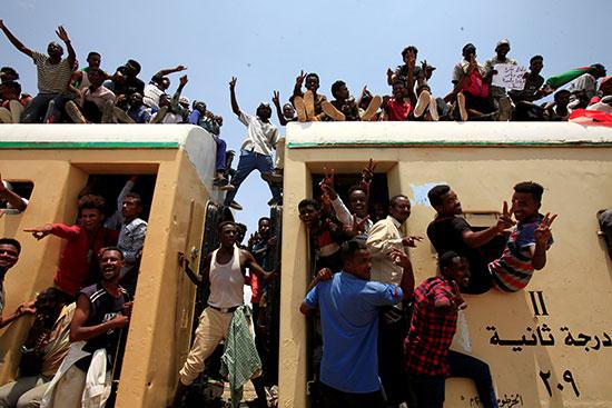 احتفالات-فى-السودان-(7)