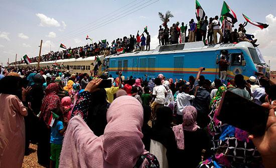 احتفالات-فى-السودان-(3)