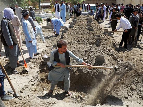 دفن-ضحايا-التفجير