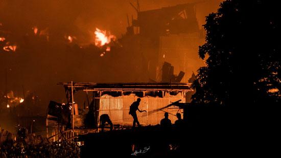 حريق-فى-حى-سكنى-ببنجلاديش