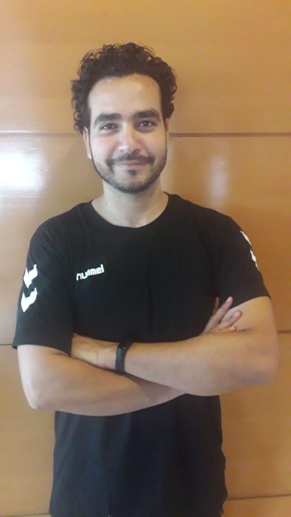 الدكتور عمرو عصام طبيب منتخب ناشئ اليد