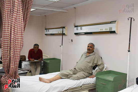 المرضى يتلقون العلاج