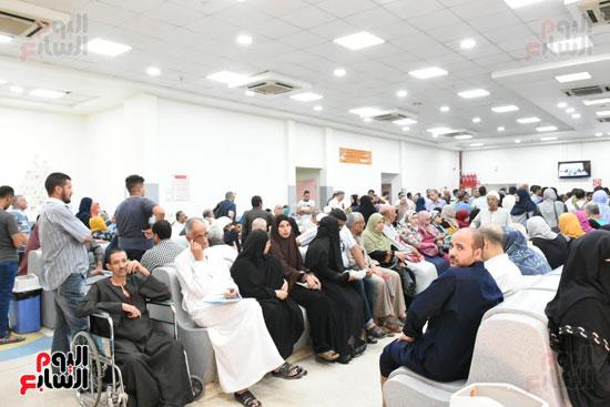 المواطنون يترددون على معهد الأورام عقب انتهاء اعمال الترميم