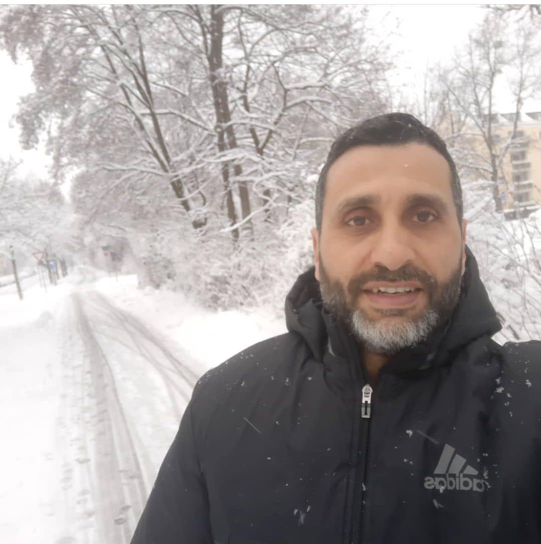 مجدى ابو المجد وسط الثلوج فى ألمانيا