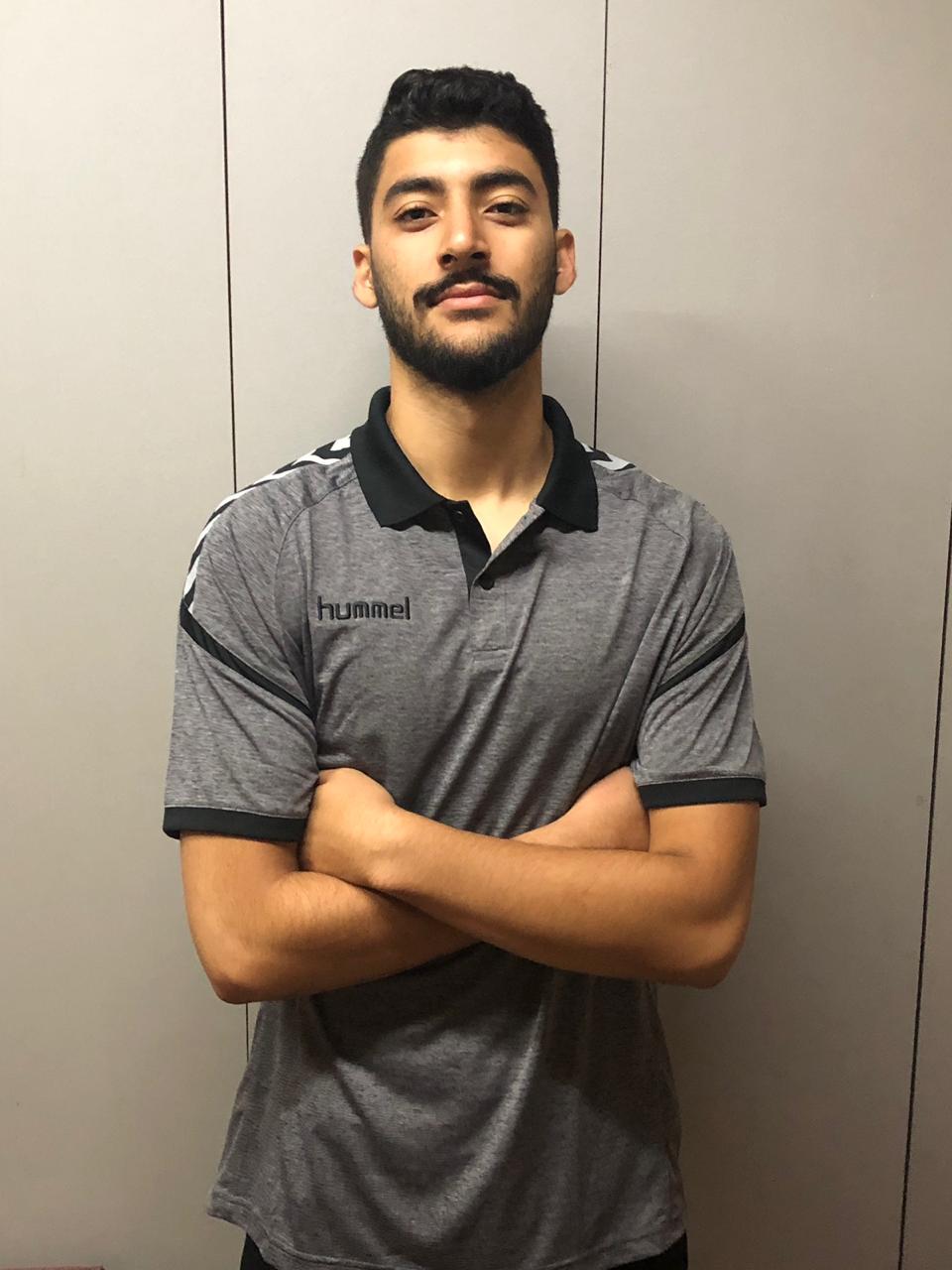 عمر عطية لاعب النادى الأهلى