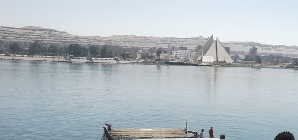 المتحف يطل على النيل