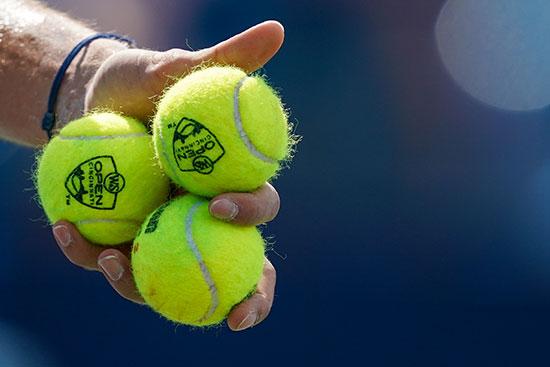 كرات التنس خلال اللقاء