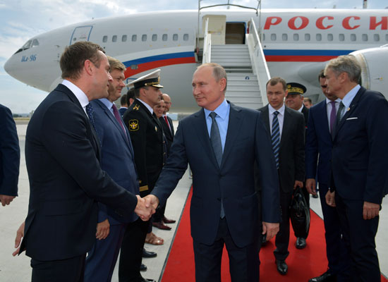 الرئيس-بوتين-يصل-فرنسا