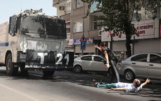 2019-08-19T142019Z_143405714_RC1B72640980_RTRMADP_3_TURKEY-SECURITY-KURDS