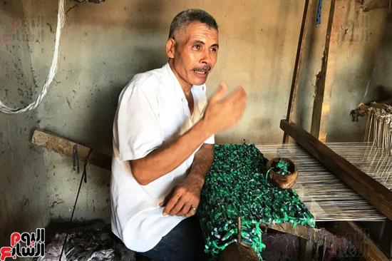 صناعة غزل السجاد اليدوى (4)