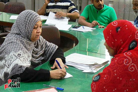 لجان-تلقى-طلبات-صرف-التعويضات-فى-النوبه-(1)
