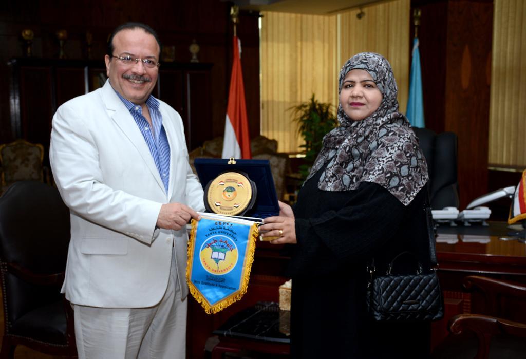 رئيس جامعة طنطا يستقبل الملحق الثقافي لسفارة سلطنة عمان (1)