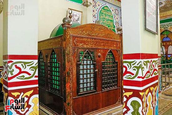 ضريح ابو الإخلاص الزرقانى بعد نقله لميدان أبو العباس بالإسكندرية (5)