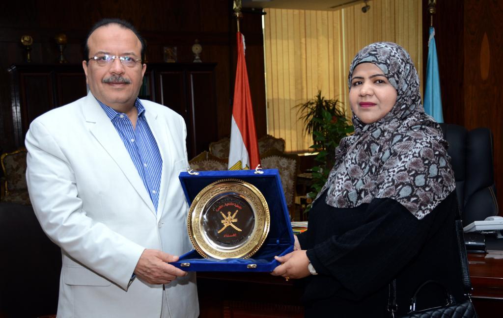 رئيس جامعة طنطا يستقبل الملحق الثقافي لسفارة سلطنة عمان (2)