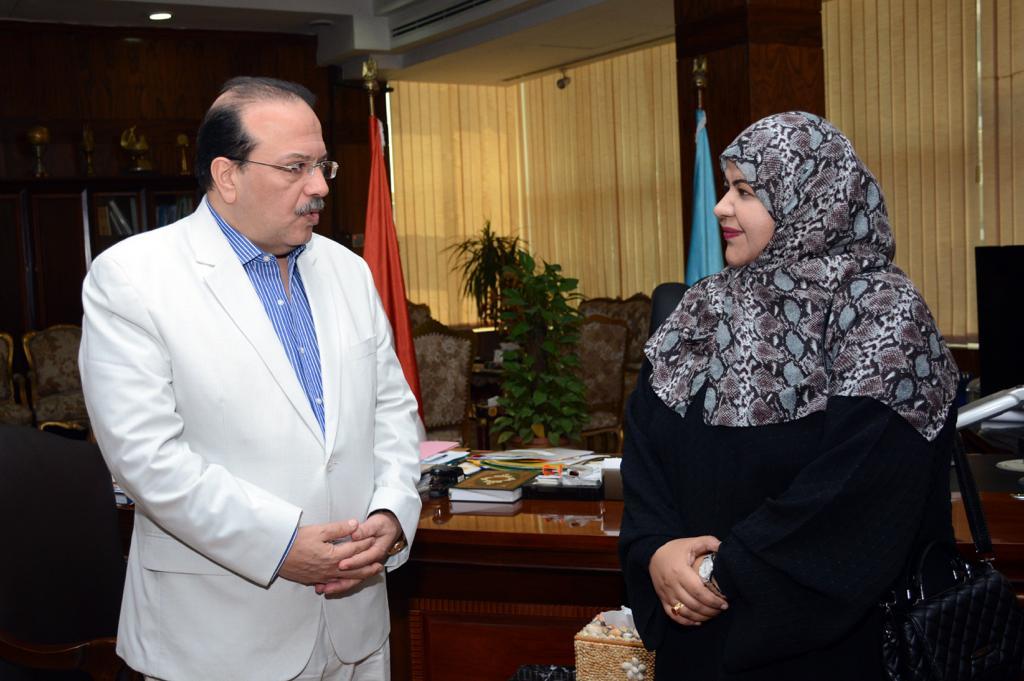 رئيس جامعة طنطا يستقبل الملحق الثقافي لسفارة سلطنة عمان (3)
