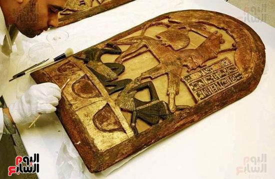 دروع الملك توت عنخ آمون (1)