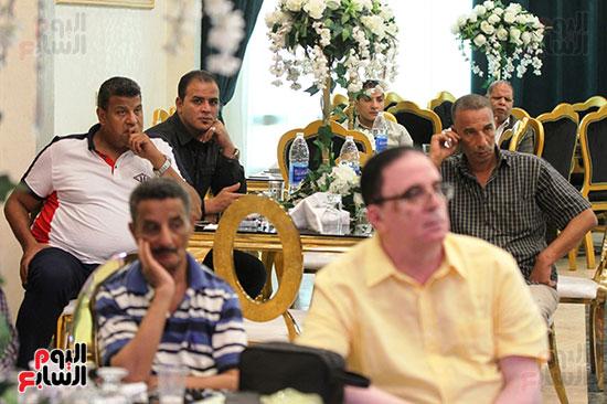 إجتماع لجنة الأندية (2)