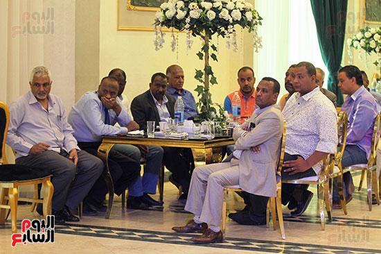 إجتماع لجنة الأندية (1)