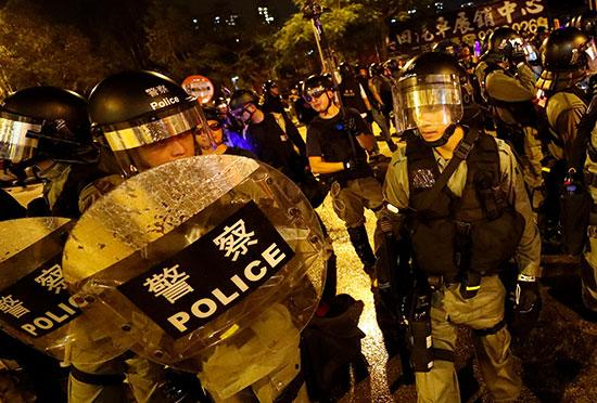 مظاهرة احتجاج فى محطة لونج لونج