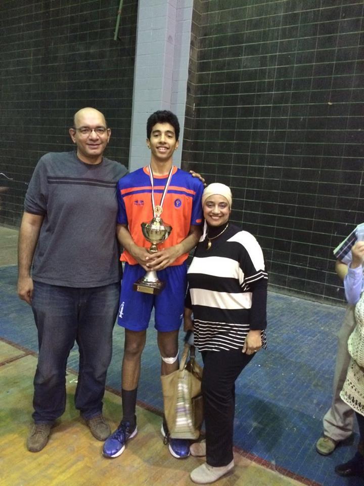 حسن وليد مع عائلته
