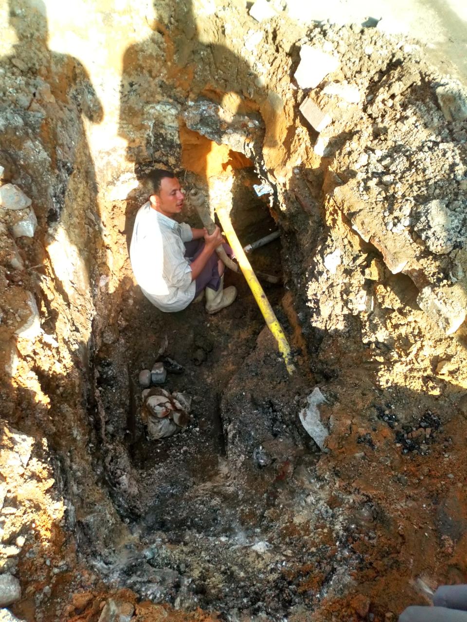 رفع الإشغالات بالعجوزة والطالبية وإصلاح كسر ماسورة مياه جنوب الجيزة  (1)
