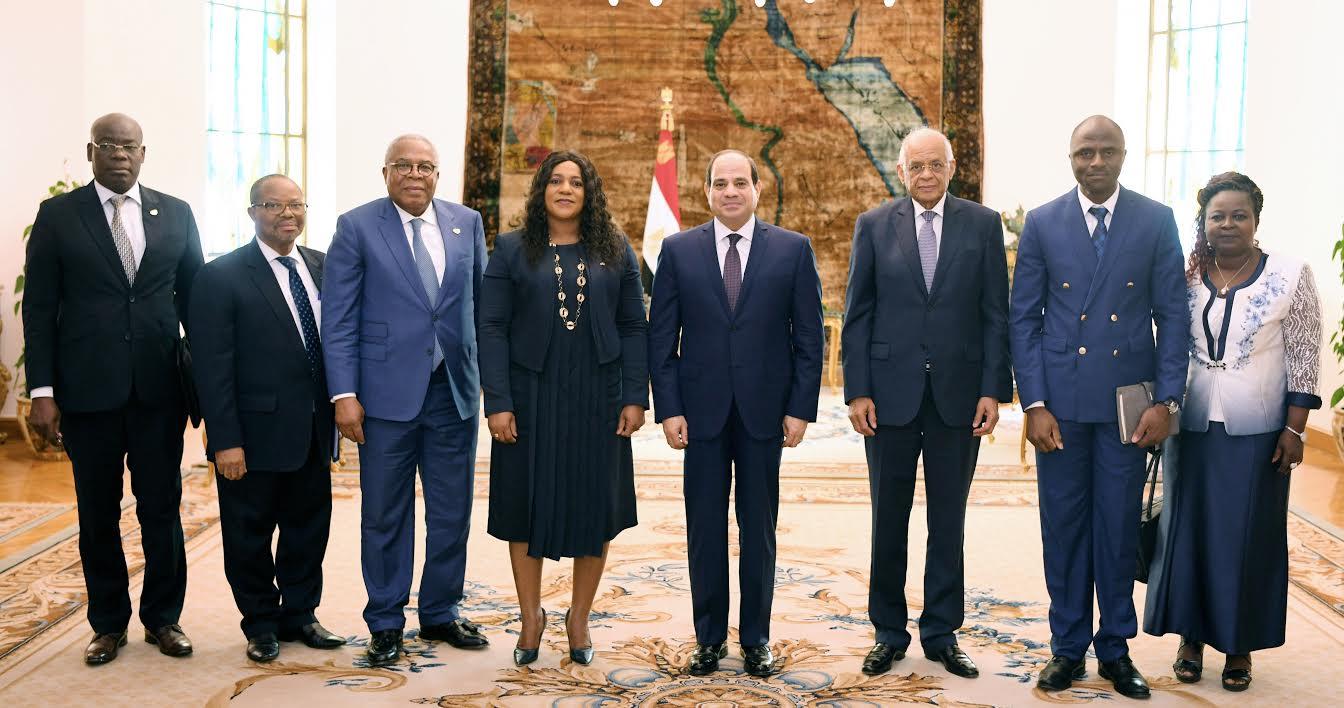 أعضاء البرلمان بتوجو (1)