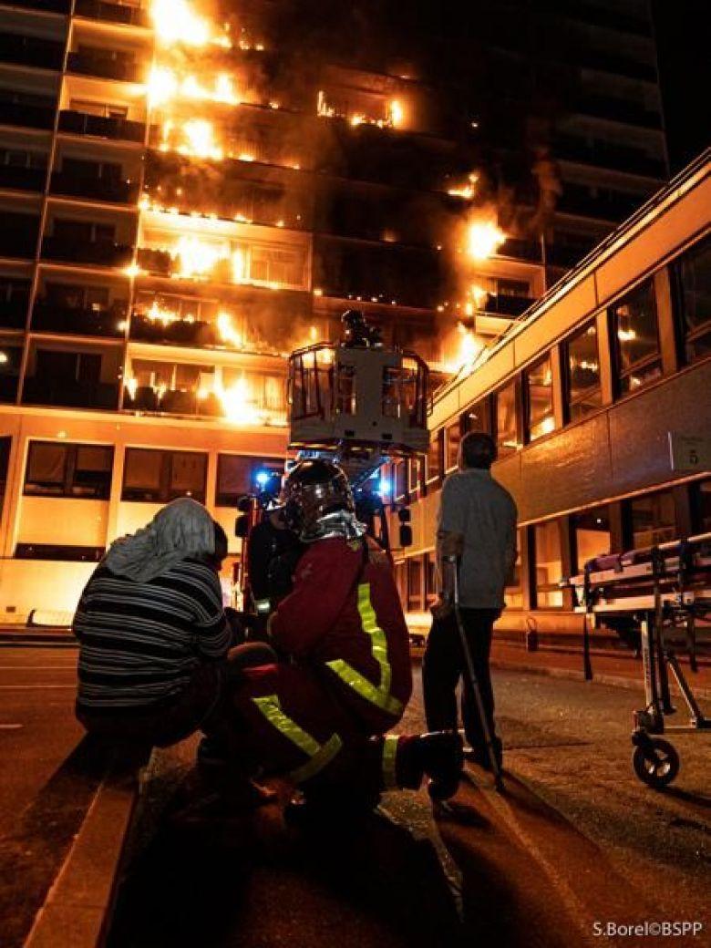 حريق فرنسا (1)
