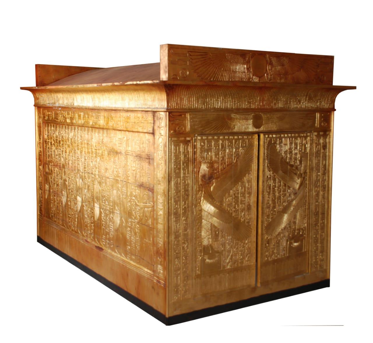 إحدى النماذج الأثرية بمعرض كندا (5)