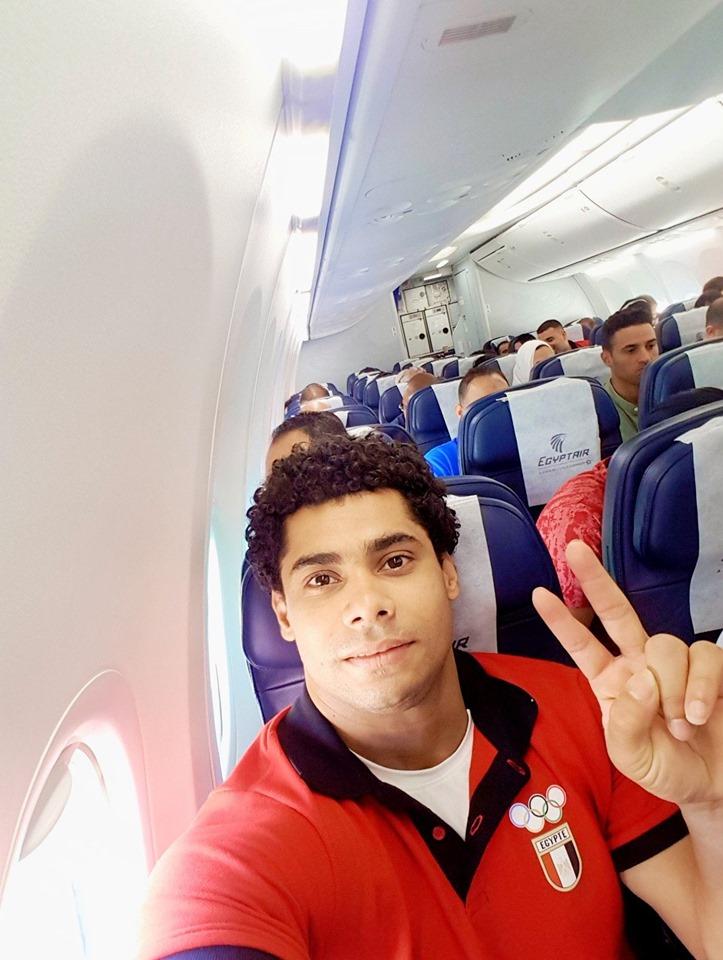 محمد ايهاب فى الطائرة