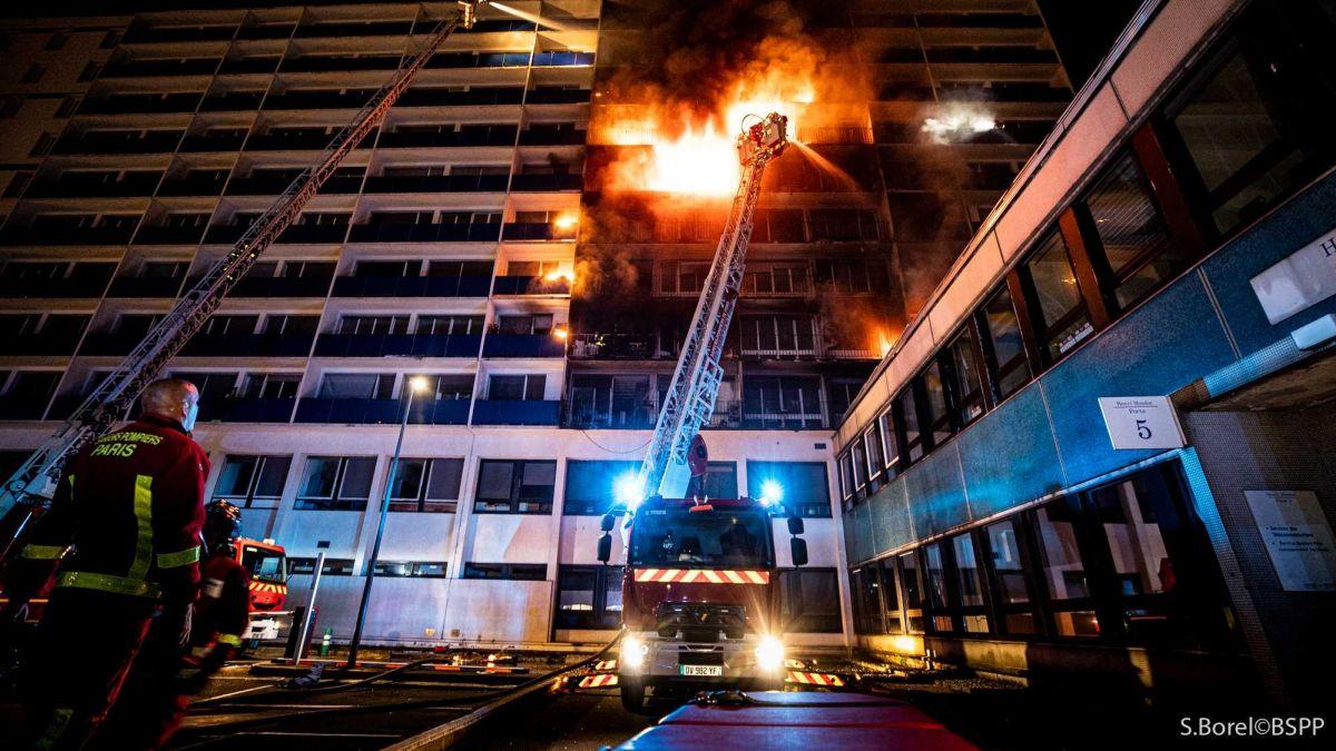 حريق فرنسا (7)