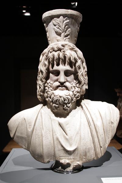 إحدى القطع الأثرية بالمتحف (2)