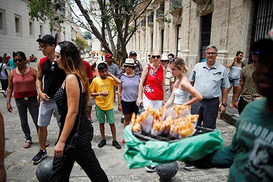 2019-08-21T235138Z_1782300330_RC1E1797CB90_RTRMADP_3_CUBA-TOURISM