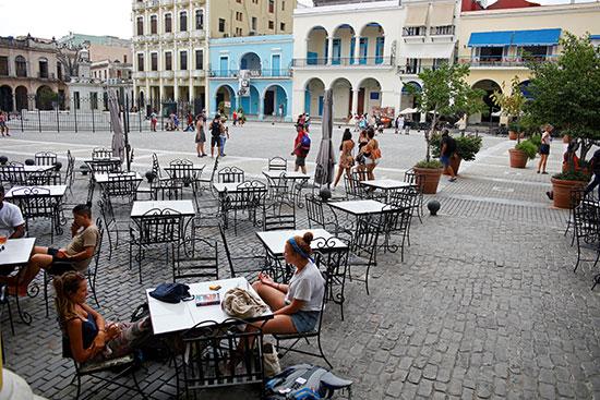 2019-08-21T235652Z_1430687368_RC166EA22690_RTRMADP_3_CUBA-TOURISM