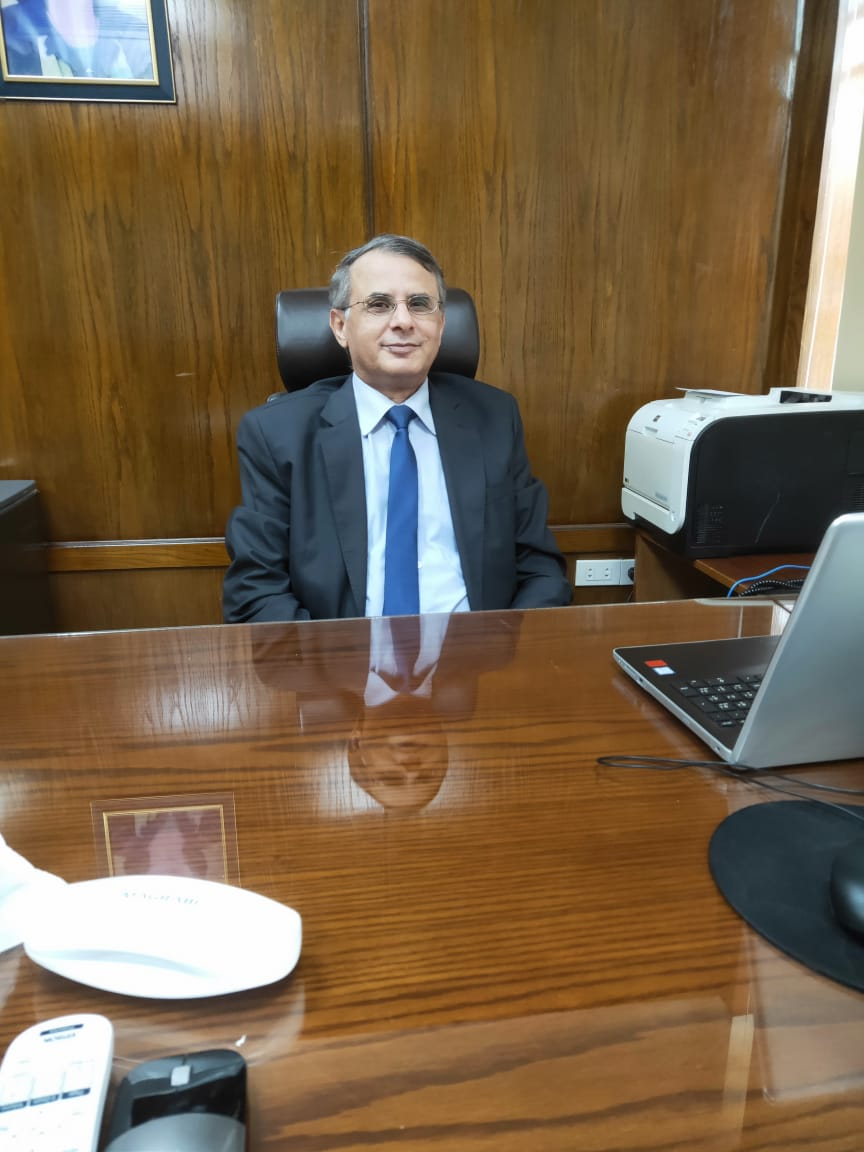الدكتور أحمد طلبه نائب رئيس الجامعة للتكنولوجيا و التعليم
